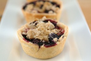 Very Berry Cheesecake Pie Bites