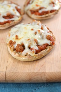 Make-Ahead Mini Muffin Pizzas – Back to School