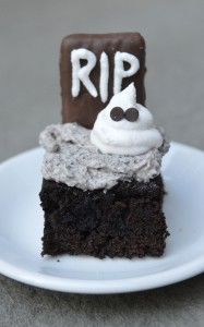 Halloween Graveyard Oreo Brownies
